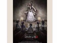 REVIEW FILM DANUR 2: Kenekadan Seorang Prilly Latuconsina