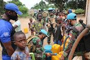 Satgas Kizi TNI Kembali Memberikan Bantuan Air Bersih di Afrika