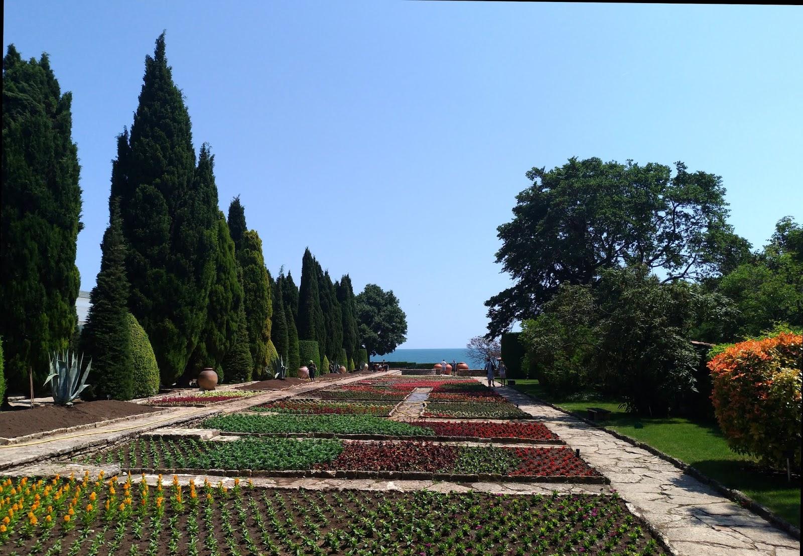 ogród botaniczny w Bałcziku w Bułgarii