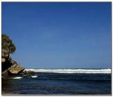 Nglolang Beach