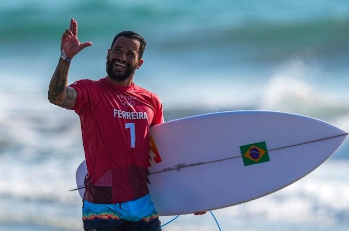 É do Brasil! Ítalo Ferreira entra pra história como o primeiro medalhista olímpico do Surf