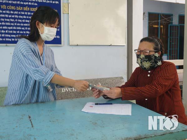 Ninh Sơn, Ninh Phước, Thuận Bắc: Kịp thời hỗ trợ người dân gặp khó khăn do dịch Covid-19