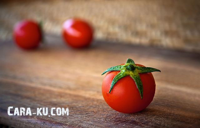 Cara Menghilangkan Jerawat Dengan Tomat Terbukti Efektif