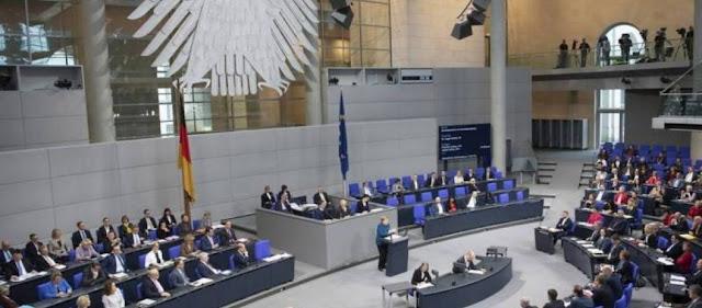 Bundestag: Συγκατάθεση για έναρξη ενταξιακών διαπραγματεύσεων με Σκόπια - Αλβανία
