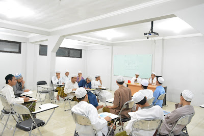 Motivasi Penuh Hikmah oleh KH.H Supriadi MA.SE  Pada Seminar HMJ BKI