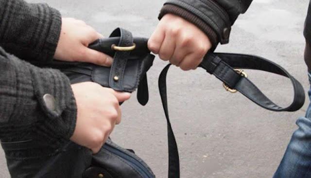 Με πρόσχημα τα κάλαντα ανήλικοι Ρομά άρπαξαν τσάντα στο Άργος