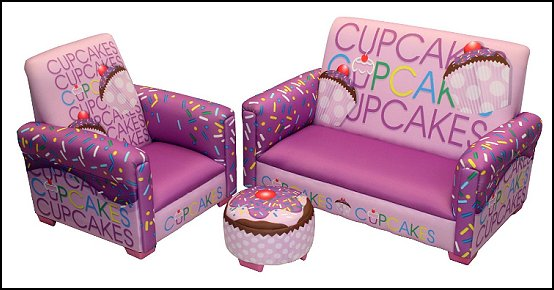 cupcakes bedroom ideas - cupcakes theme candy decorating candyland sweets - cupcake bedding - cupcake decor - candy decor -  Ice Cream decor - Candy party props - Candy party decorations - candyland gingerbread - cupcakes