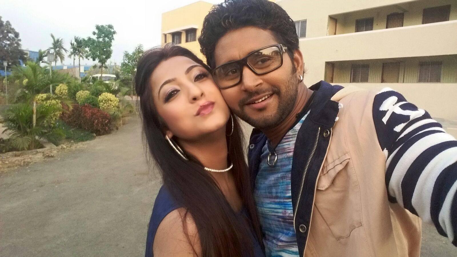 Yash Kumar Mishra, Sweety Chhabra ON Set Aashiqanaa pics