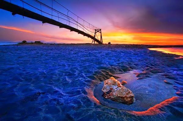 Jembatan Pantai Batu Belig