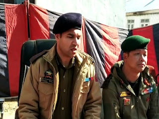 जम्मू कश्मीरः आतंकियों की मदद करने के आरोप में तीन गिरफ्तार, मौके से भारी मात्रा में इलेक्ट्रॉनिक सामान बरामद