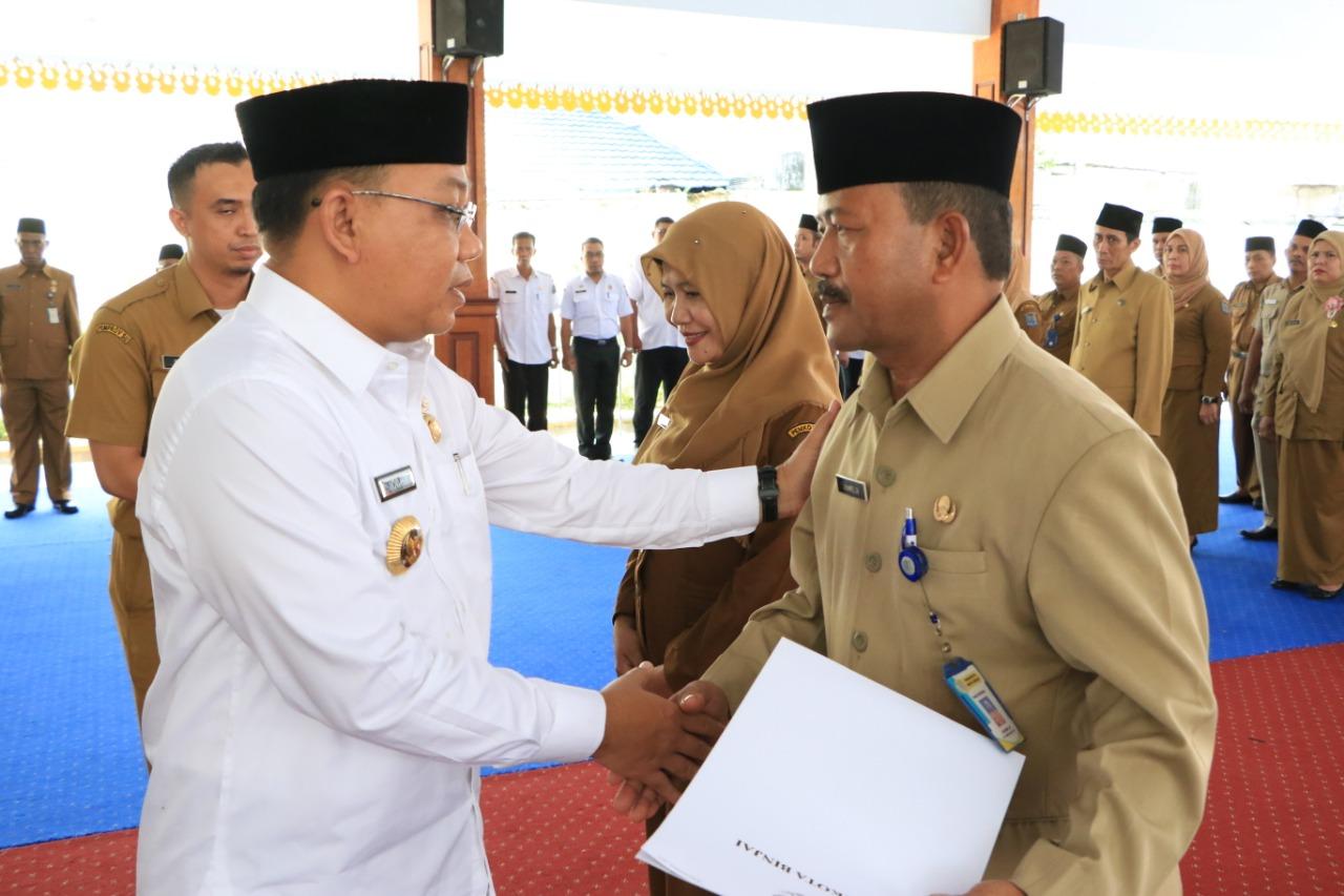Walikota Binjai Muhammad Idaham Lantik 34 audotor dan pengawas