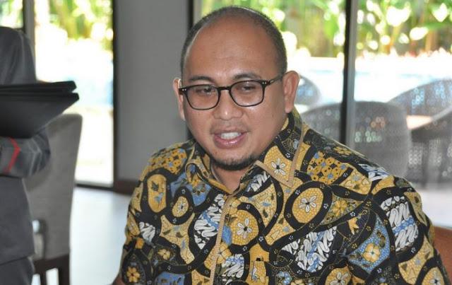 Jangan-Jangan Jokowi Sendiri yang Politikus Genderuwo