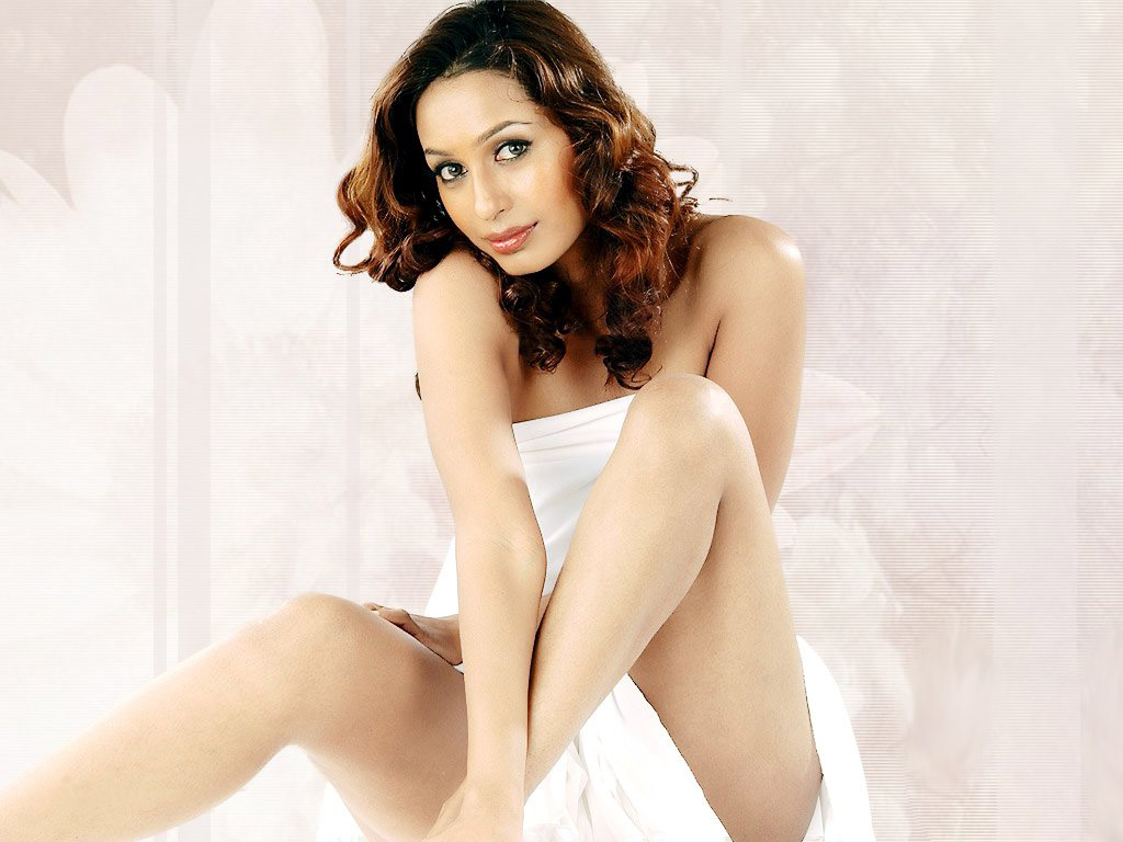Excited kashmira shah bollywood actress commit error
