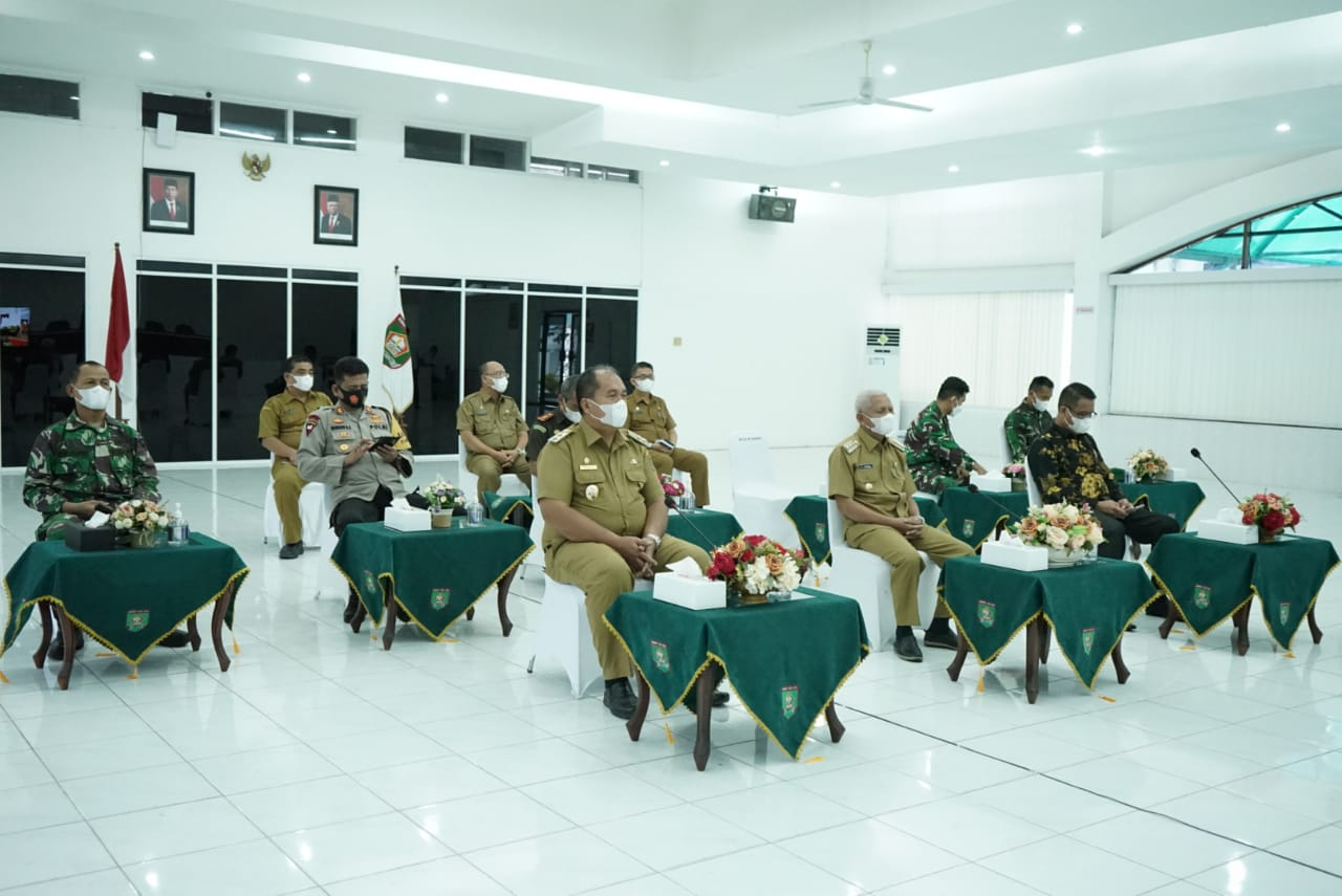 Bupati dan Wabup Bersama Forkopimda Asahan Ikuti Rapat Koordinasi Kepala /Wakil Kepala Daerah Hasil Pilkada serentak tahun 2020 secara virtual