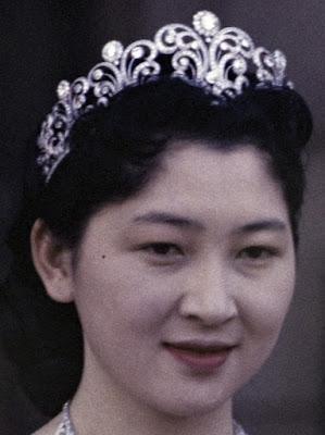 diamond scroll tiara empress michiko japan