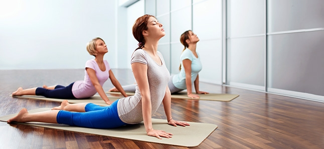 5 Effective and Easy Stretches That Will Burn Your Fat Out - Cobra Pose (Bhujangasana)