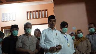 Jokowi : Ibu Meninggal karena Sakit Kanker yang Diderita 4 Tahun Ini
