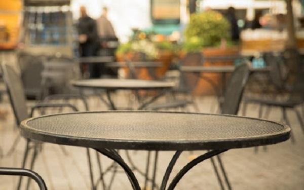Bari nuove procedure autorizzazione suolo pubblico ristoranti