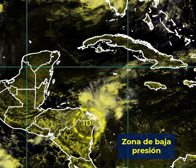 Vientos fuertes en los niveles altos limitan el desarrollo ciclónico de baja presión