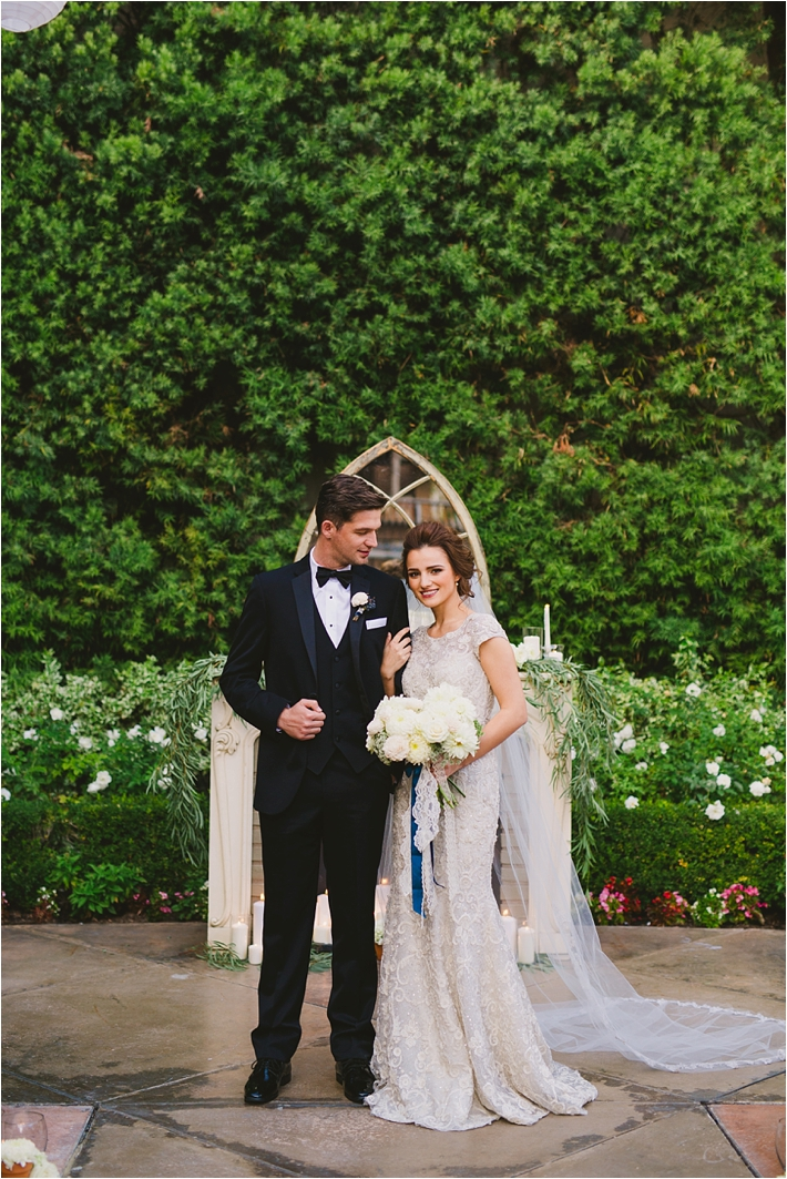 Elegant bride & groom look // Photo by Closer to Love Photography via @thesocalbride