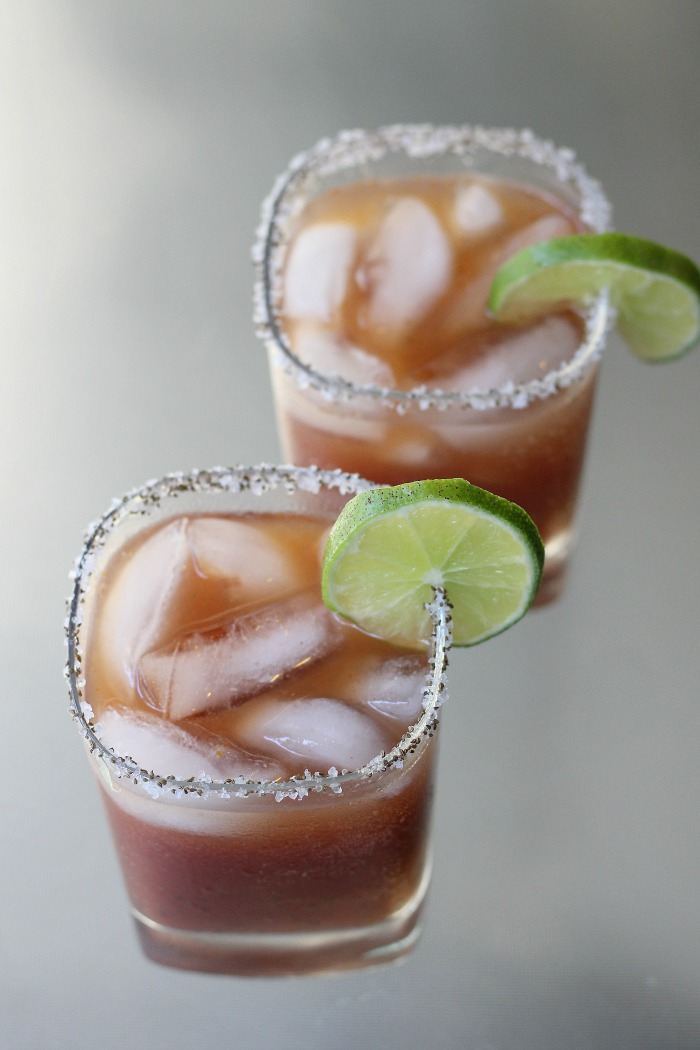 Alcohol free drinks and beverages perfect summer time drink recipes #mocktail #alcoholfree #summerdrink #beverage