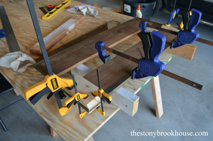 Clamping bench top together