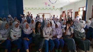 Siswa-Siswi SMK Fajar Kencana Ikuti Pelatihan Internet Sehat