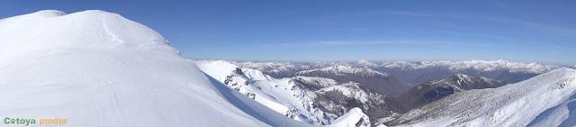 Ruta invernal al Pico Nevadín desde Salientes