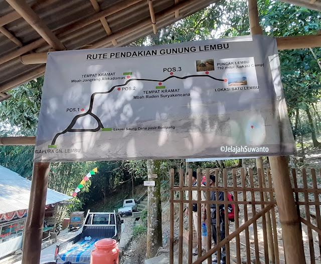 Papan informasi rute pendakian Gunung Lembu | JelajahSuwanto