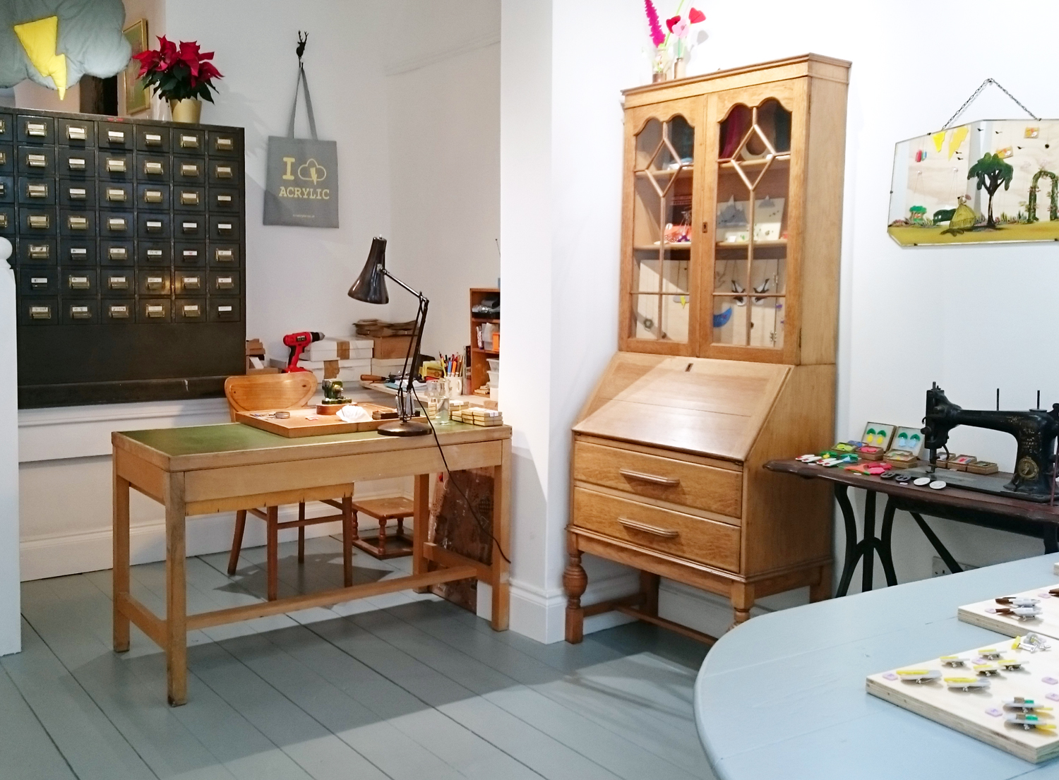 I Am Acrylic's very tidy studio is situated out the back of their shop on Christmas Steps in Bristol.