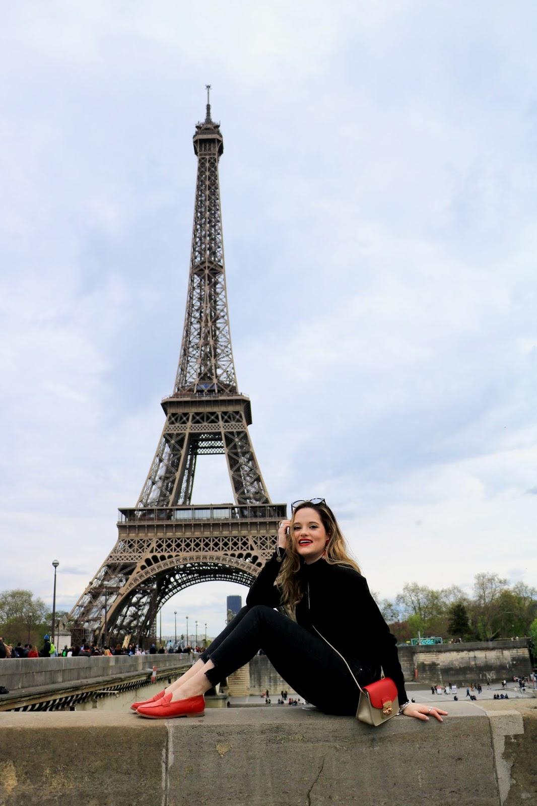 Eiffel-Tower fashion blogger pics