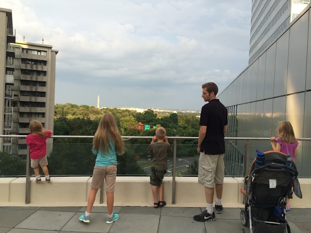 The Circus Comes to D.C.: 7 Things You Learn When Taking Your Big Family to the United States Capital  {posted @ Unremarkable Files}