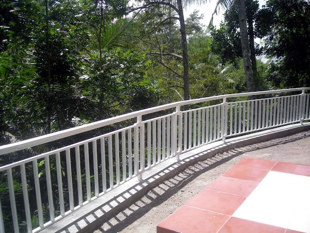 desain railling rumah minimalis modern model villa