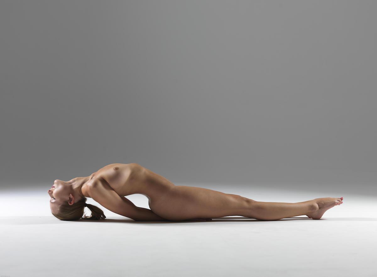 сомнений, йога голая онлайн тот день обе