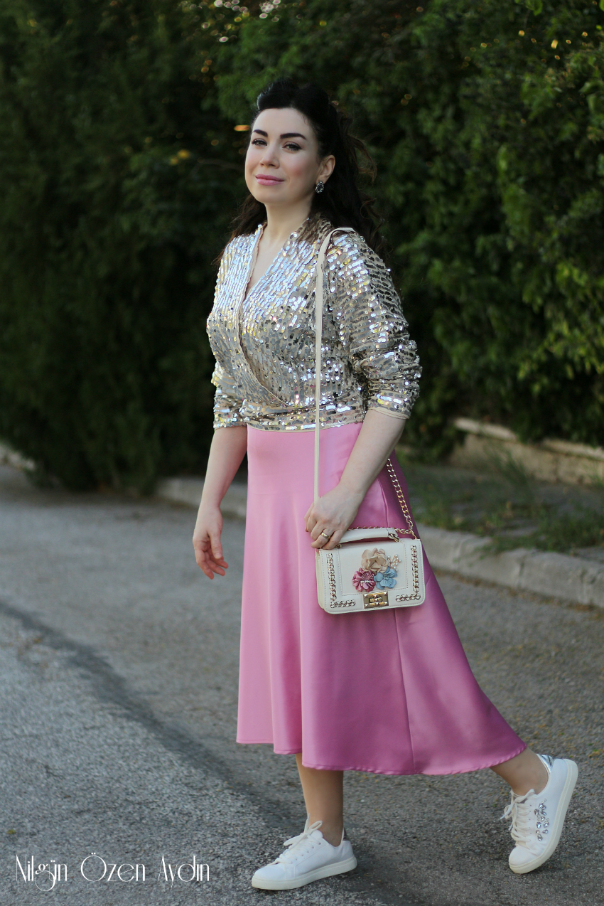 alışveriş-Pembe Etek ve Pullu Bluz-moda blogu-fashion blogger-saten etek