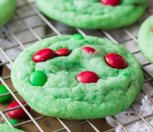 Grinch Cookies #cookies #desserts
