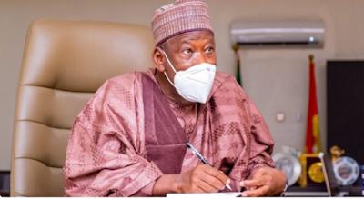 Buhari govt spends N1.5bn monthly on school feeding in Kano – Ganduje