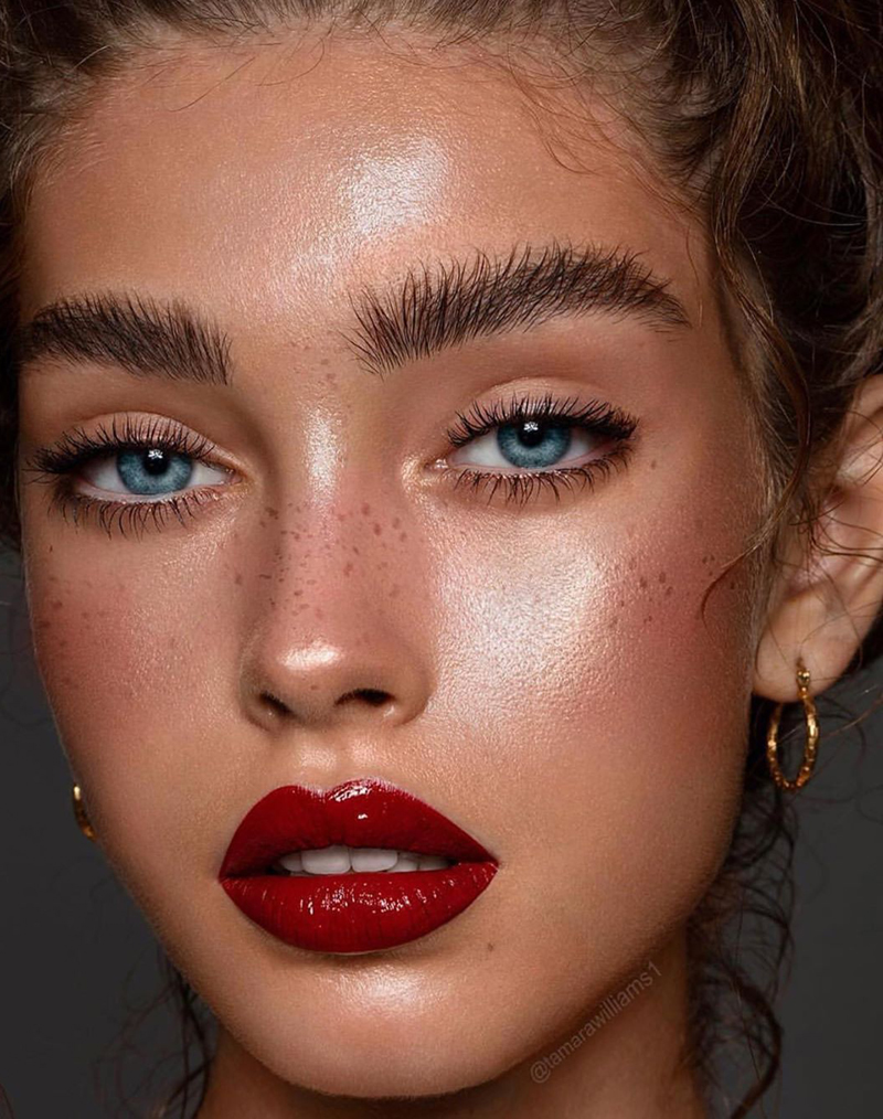 These Makeup Trends Will Dominate the Year