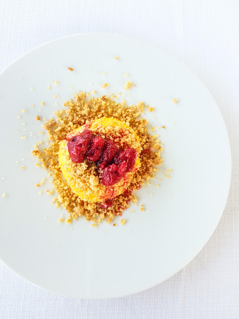 Crema pasticcera con crumble e lamponi-Ristorante del Trabocco Punta Rocciosa a Fossacesia