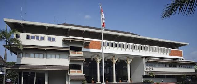 08. Kampus Arsitrek di Universitas Atma Jaya Yogyakarta (UAJY)