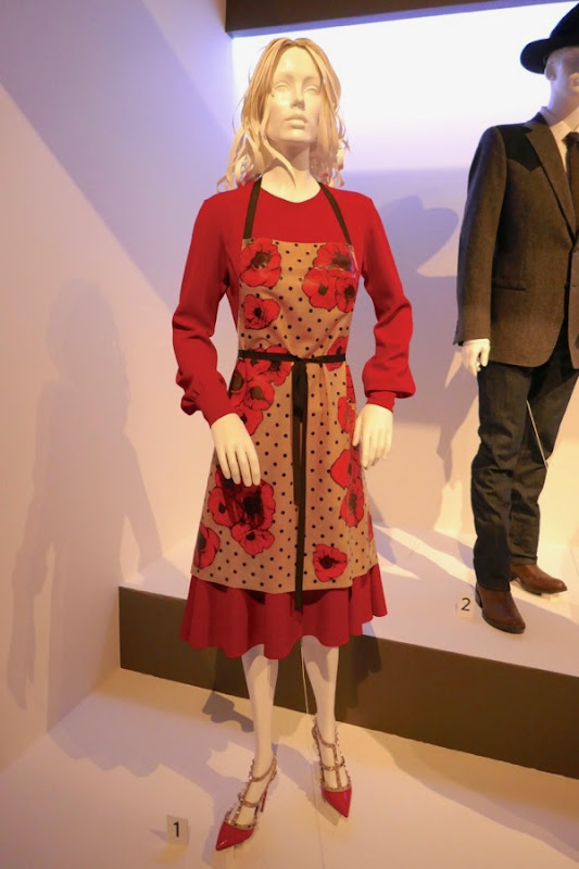 Julianne Moore Kingsman 2 Poppy film costume