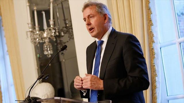Dimite embajador británico en EEUU en medio de tensión diplomática