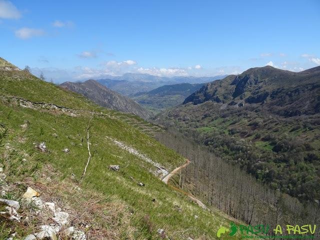 Vista hacia el norte subiendo al Pico Cogolla