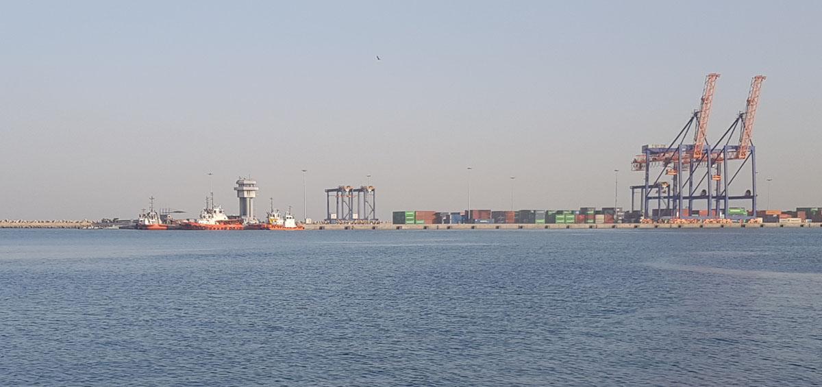 ميناء صقر