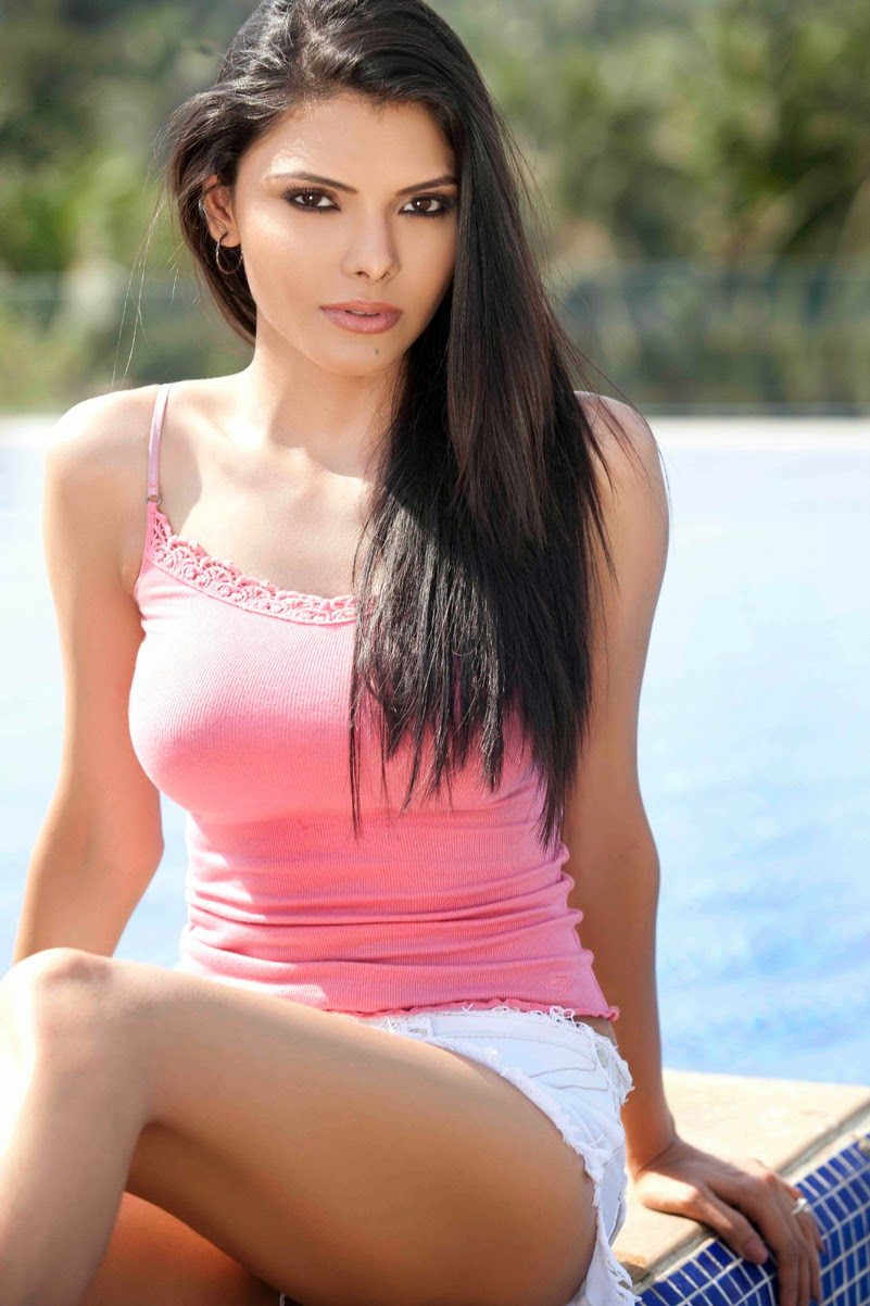 Sherlyn Chopra Hot Sexy Nude