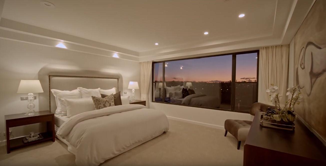 20 Photos vs. 19 Wallangra Rd, Dover Heights, Australia Home Interior Design Tour