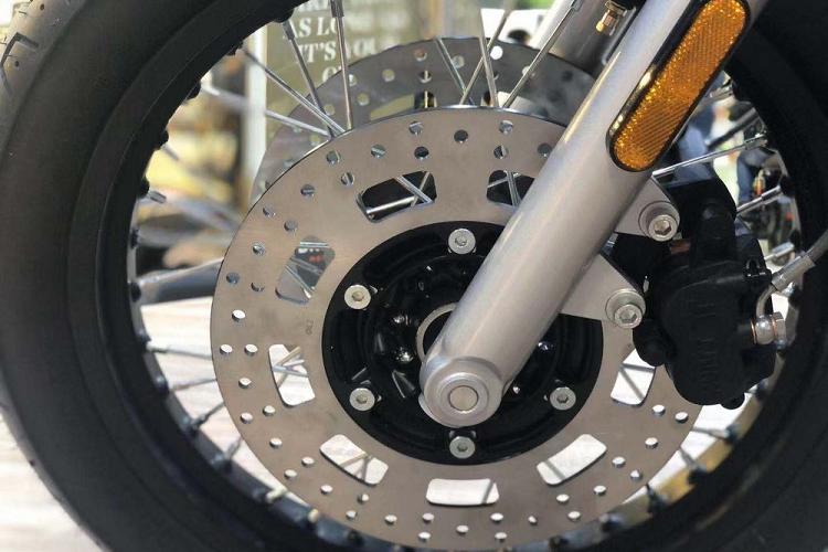 Brixton sắp ra mắt xe 1.200cc mới, giống Triumph Bonneville T120
