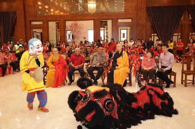 Perayaan Imlek 2020/2571, Bupati Asahan dan Kapolres Kunjungi Wihara dan Pantai Jompo