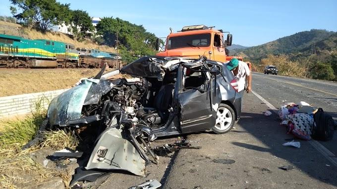 Motorista morre e quatro pessoas ficam feridas em acidente na BR-381, em Timóteo