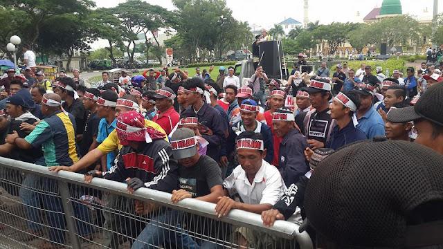 Tolak UWTO Masyarakat Demo Kantor BP Batam,  Minta Kebijakan